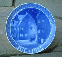Royal Copenhagen Porcelain Christmas Plate dated 1925