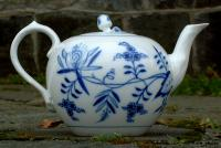 Antique Bavarian Blue Onion Meissen Porcelain Tea Pot