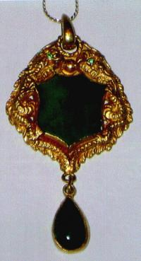 Chinese Jade and Gold Pendant