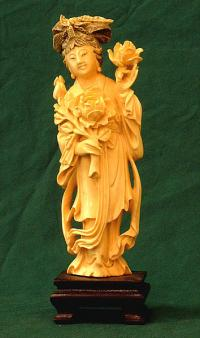 Antique Carved Ivory Chinese Woman