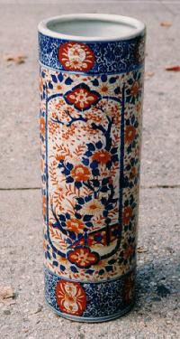 Antique Japanese Imari porcelain umbrella stand