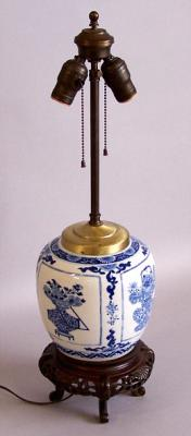 Chinese export Ginger Jar lamp blue and white c1780