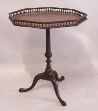 Period English tilttop tray top mahogany tea table c1790