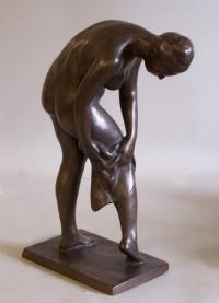 Mary Tarleton Knollenberg bronze sculpture The Bather