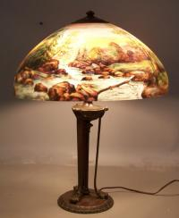 Handel lamp with reverse painted shade number 6752