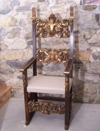 Italian 17th century carved gilded throne chair with putti