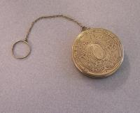 Victorian 14k yellow gold engraved compact c1880