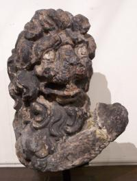 17th century Italian carved lime stone lion sculpture