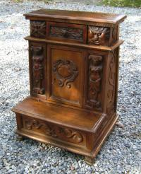 French carved walnut pre dieu c1700