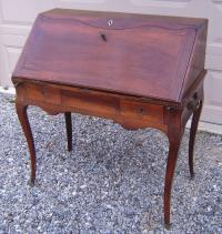 Period Louis XV ladies slant front walnut desk c1760