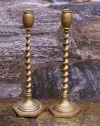 Pr of 19thc American twist brass candlesticks c1880