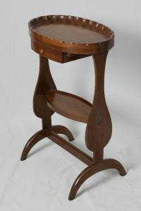 Scalloped dish-carved top wine table c1880