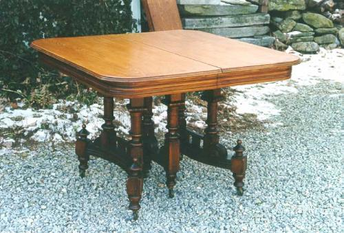 Victorian furniture Eastlake oak dining table