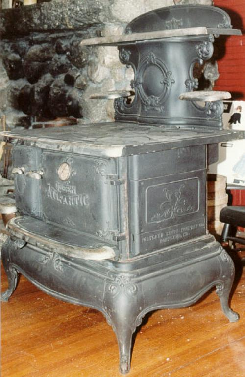 Portland Stove Foundry Company Antique Queen Atlantic Model Cook Stove