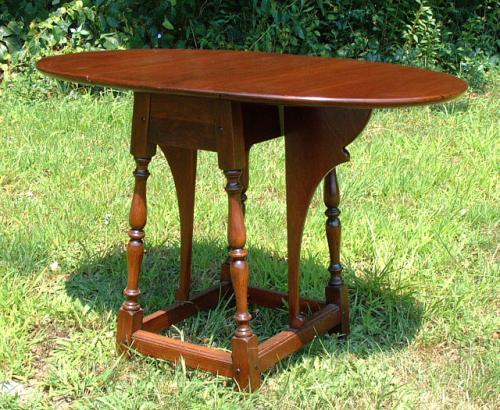 Vintage Mahogany Butterfly Drop Leaf Table